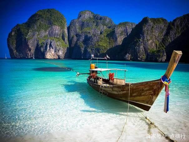 这些岛屿位于普吉岛和安达曼海西岸之间,是一片如诗画般的神奇地方,有