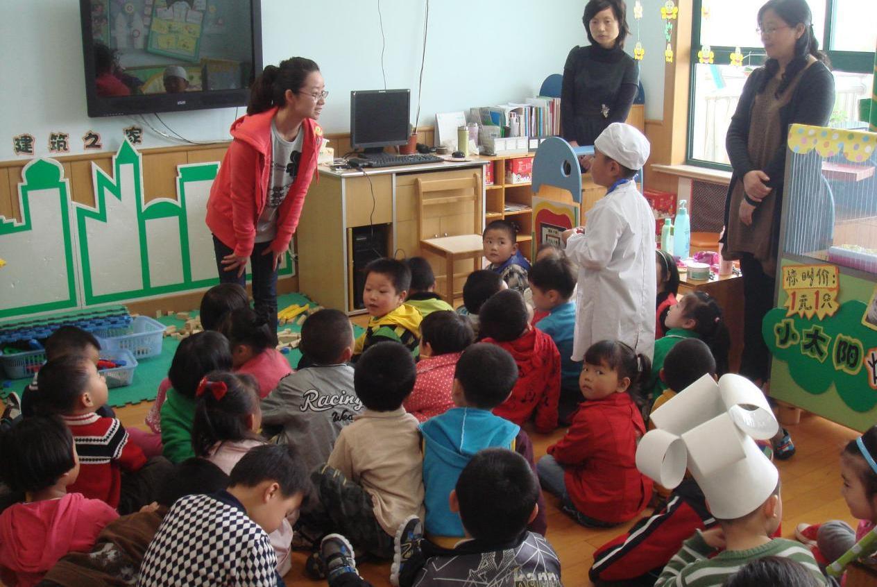 为何很多孩子不会在幼儿园便便?老师可能不会直说,但大人要清楚