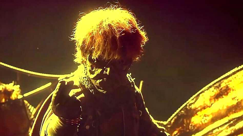 龙虎门:火云邪神念小龙是个高手,给解药,叫罗刹女救他
