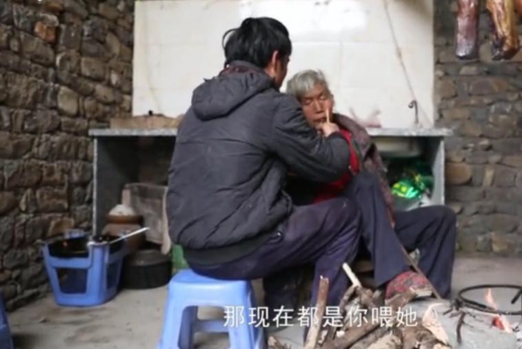 害怕女孩嫌自己家里太穷,26岁农村好小伙从未谈过恋爱