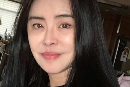 王祖贤称自己步入老年生活,网友:叫她是阿姨叫不出口