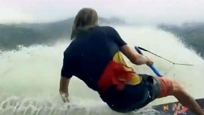 国外牛人梯田里玩冲浪,这操作看的我是一愣一愣的!