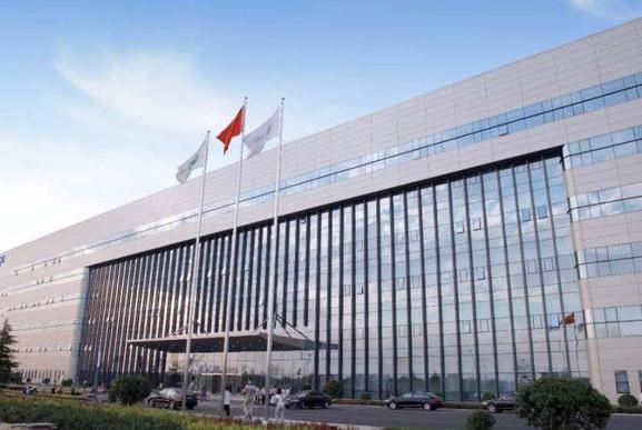 国产OLED屏芯片的黑马:一年净利预增21%—29%,今又和京东方合作