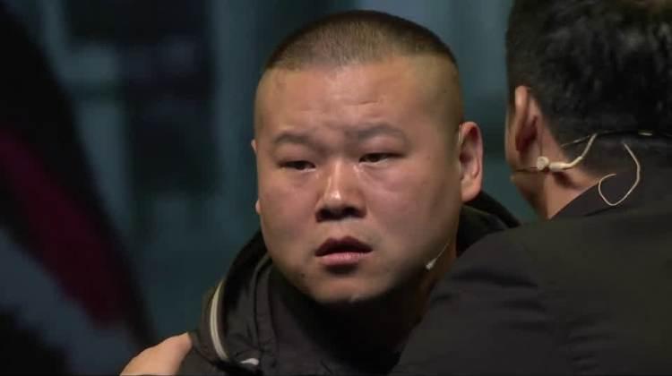 岳云鹏在舞台上被整的最惨一次,不光怀疑人生,都开始怀疑身世了