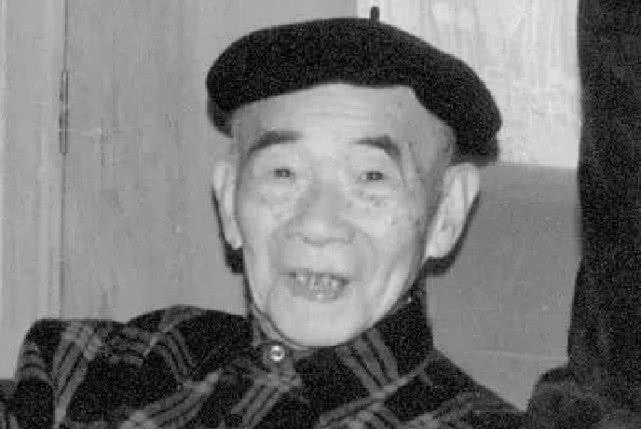 中国作家在国外投了份稿,结果被译成16国文字,收入法国教科书