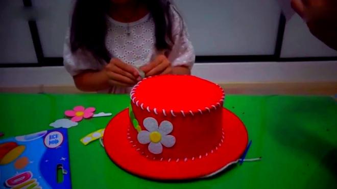 手工制作帽子 水果切切看 过家家 健达奇趣蛋2