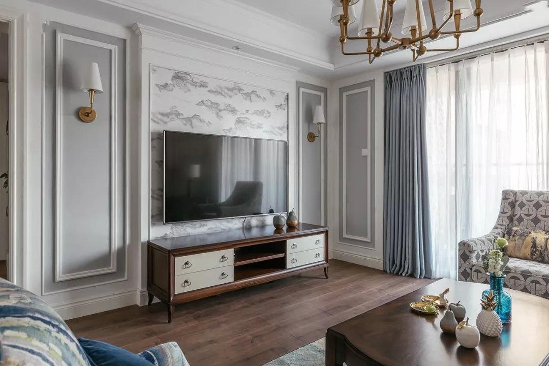 电视背景墙宜采用以圆形,弧形或平直无棱角的线形为主要造型,可以有
