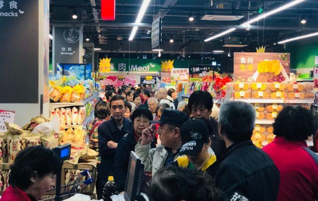 """昨天,济南又一家大型超市迎客!刚开业就被""""抢"""""""