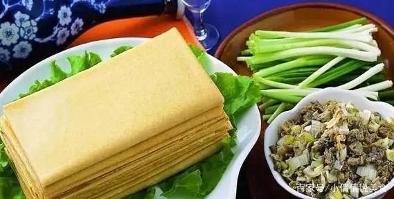 地方特产美食_泰安煎饼是中国北方的特色美食,是山东泰安地方特产