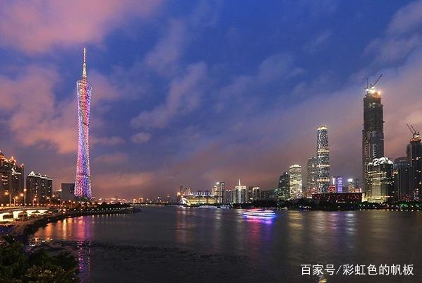 25岁广州女子乘出租车遇害,警方通报公布,网友:女孩做错什么了