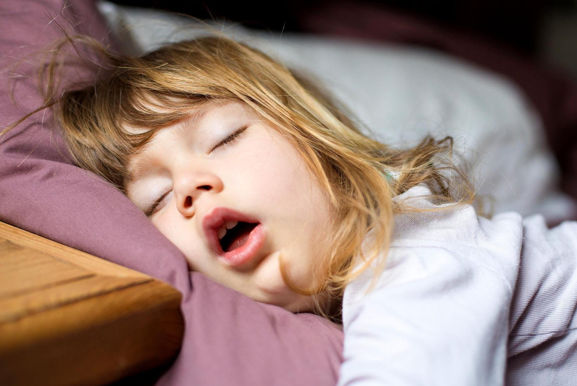 晚睡不足,午睡来补?新加坡科学家称,这样做可能会影响你的健康
