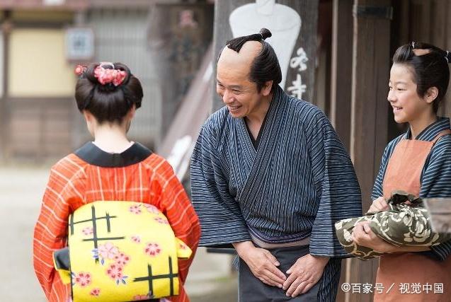 每日一笑:交日本女朋友是为国争光的事?同事的吹捧让我莫名其妙