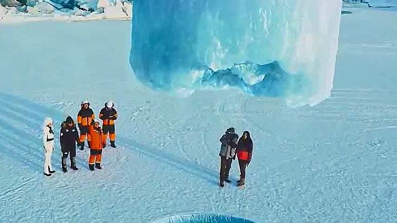 挖冰黑科技!这么厚的冰块,竟然只需要一个机器,看傻了