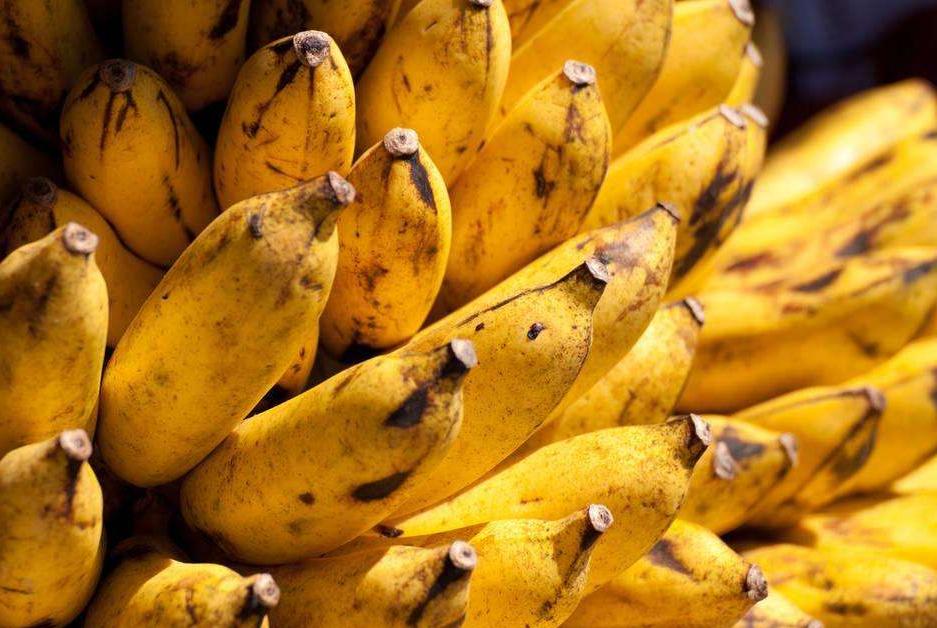 """香蕉和它同煮,是天然""""玻尿酸"""",常喝排出黑臭宿便,色斑也没了"""