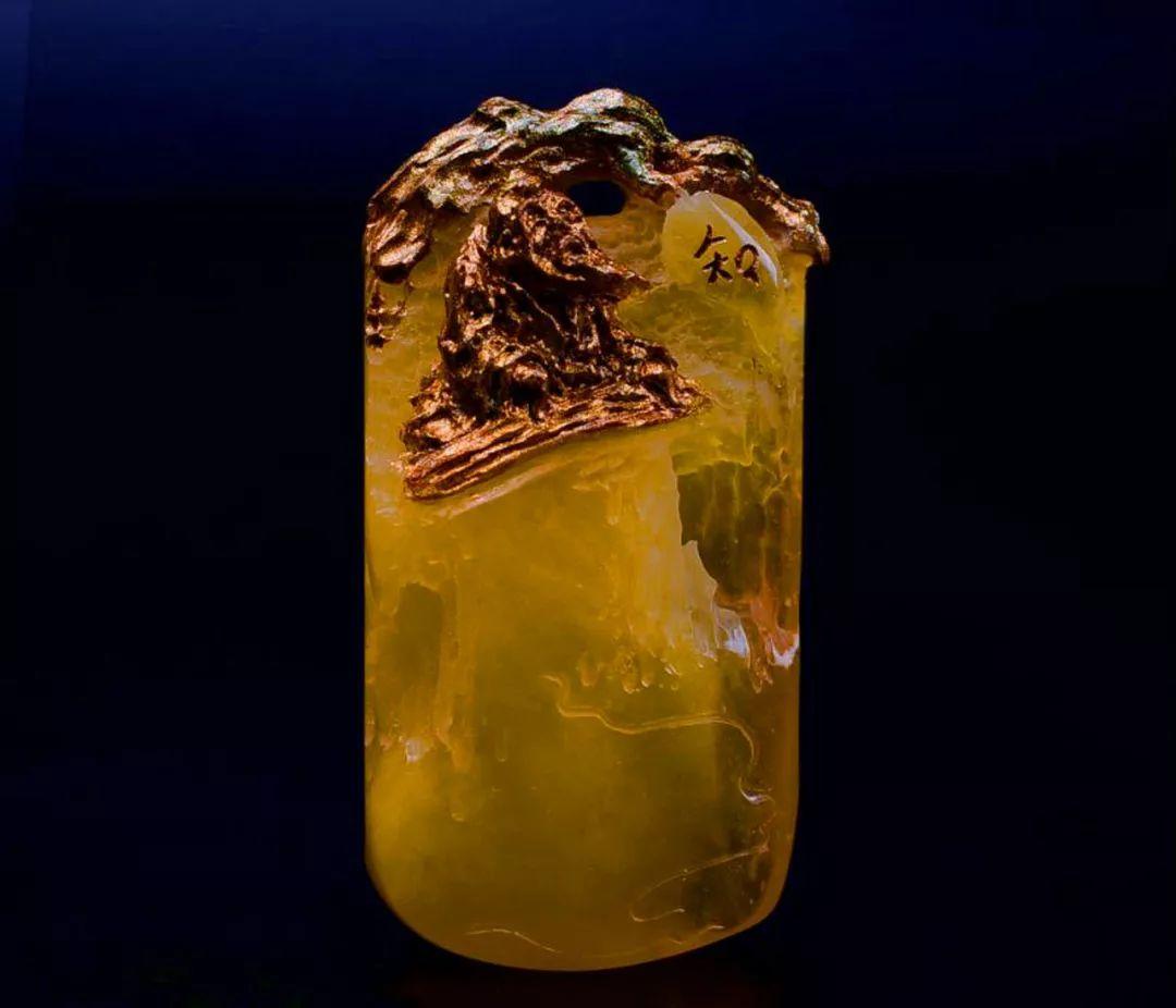 琥珀雕刻大师胡庭峰雕刻作品:《伯牙抚琴寻知音》人生难得几知己!