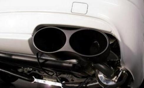 排气管越多车子越贵,其实一根和两根的区别在哪,很多车主都不懂
