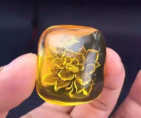 送人送礼佳品-琥珀蜜蜡牡丹花朵形状阴雕首饰