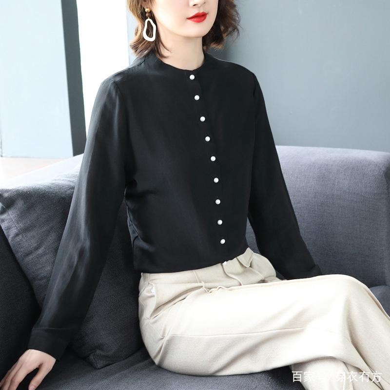 女人小衫_新年新气象,建议上班族女人试试洋气小衫,显高又洋气