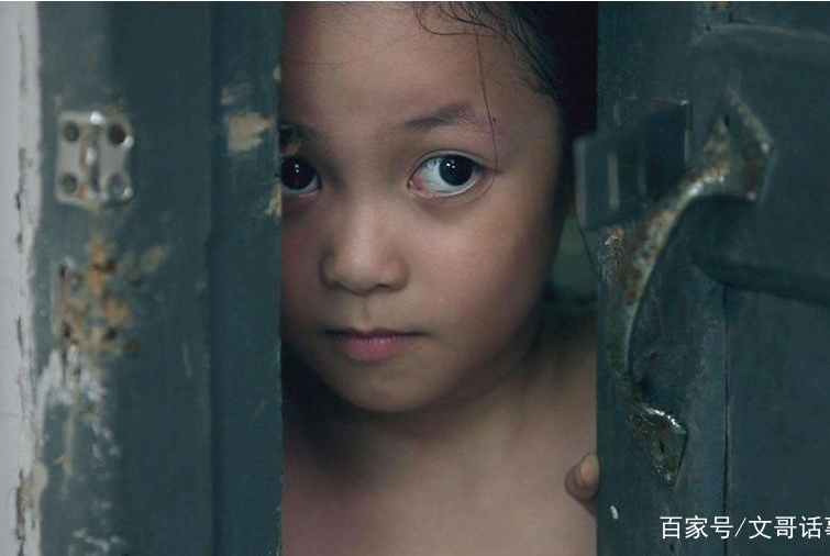 8岁女童满身伤痕突然死亡,曾说:我妈对我好,才打我两次