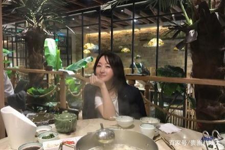 杨钰莹元宵吃火锅满脸陶醉,女神遇见美食秒变表情包