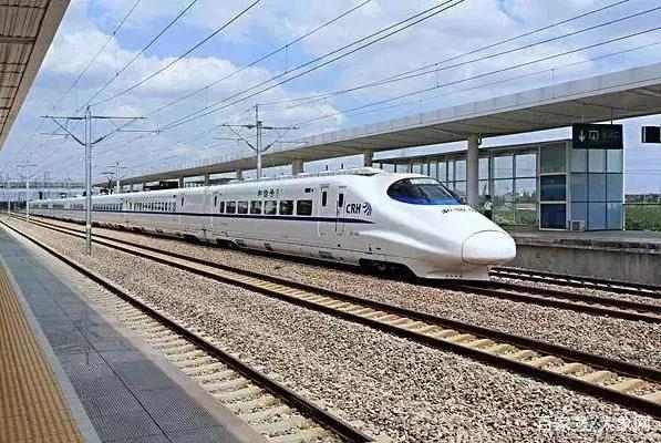 成万铁路获批,预计全程时速达350千米,郑州到成都仅需4~5小时