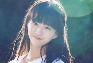 20岁小彩旗重回舞台,气质不输杨丽萍,却不再是接班人身份