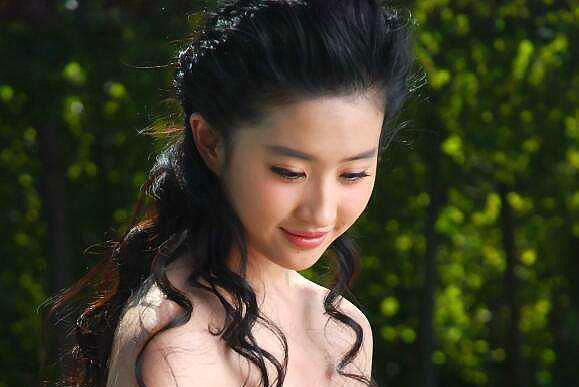 杨十六的《神医嫡女》《神医毒妃》:凤羽珩和白鹤染,谁更幸福?
