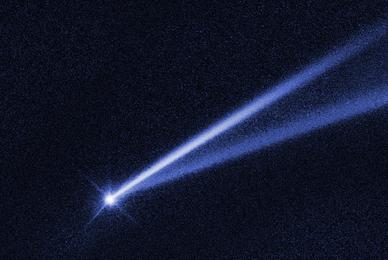 NASA哈勃望远镜捕捉奇特小行星:拖着80万公里的超长尾巴
