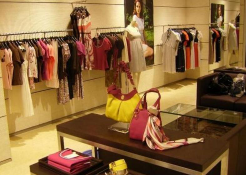 那些没有名字的服装店里看不见顾客,是怎么赚钱的呢?