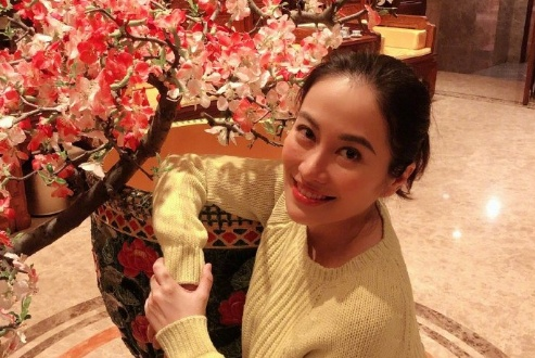 39岁叶璇首度承认已当妈,称是一对连体婴,直接回复早生完了