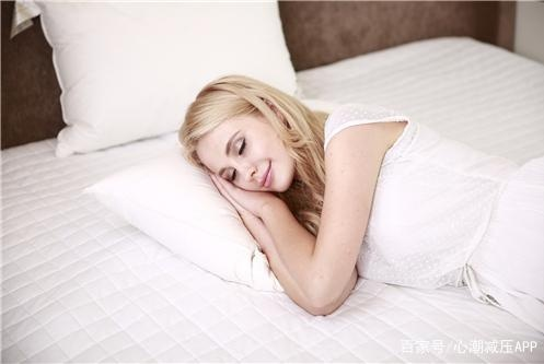 仰卧好还是侧卧好?哪种睡姿更适合你?