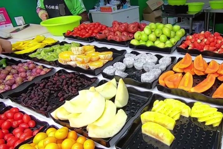 """普通水果这样""""处理""""后!卖14元一斤!网友:吃出""""贵族""""的感觉"""