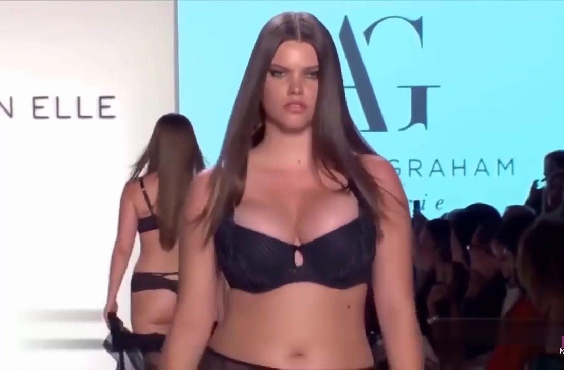 欧美大胆女人色�_内衣时装秀:欧美超模尽显妩媚,身材性感你给几分?