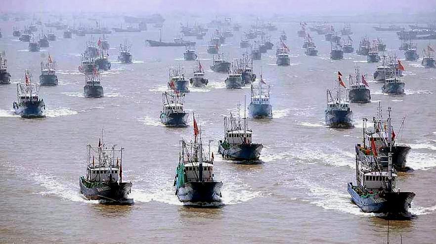 日媒披露日渔政放弃检查细节:大批中国渔船逼近 周围一片漆黑
