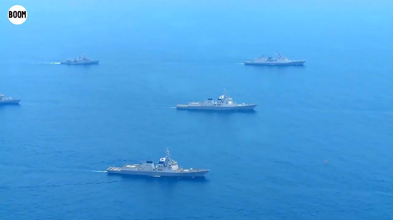 韩国海军第七机动团举行大规模反潜演练