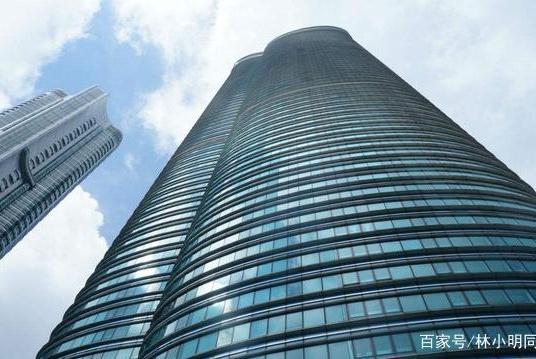 在江边建了5栋住宅楼,结果一套房子都卖不掉,如今反而赚到3百亿