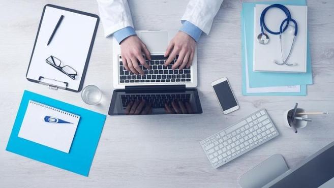 芒果健康 CEO 加盟,苹果医疗布局提速