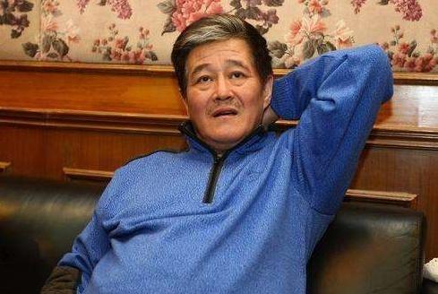 赵本山最穷的徒弟,曾被赶下舞台,今娶小12岁娇妻生双胞胎儿子