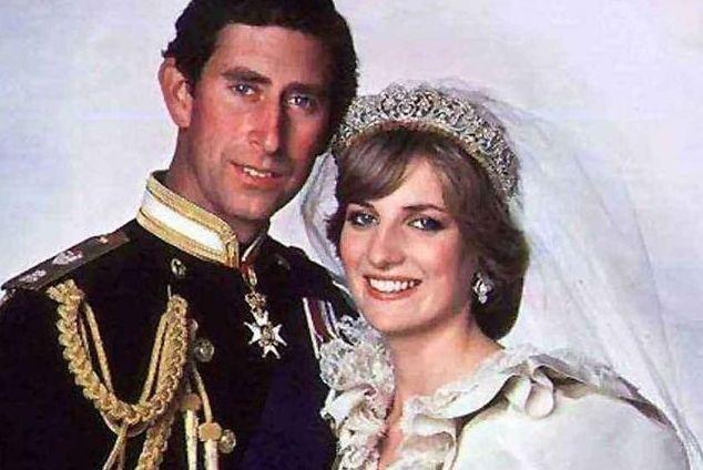 戴安娜夫妻感情,早已名存实亡,但他们在孩子面前仍然显露出恩爱