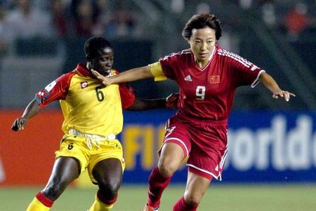 她是中国足球代表,拿过世纪最佳比肩贝利!如今在足协负责青训!