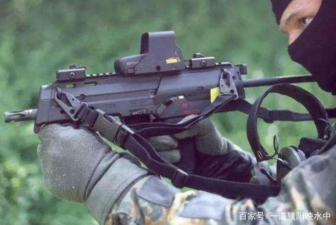 HKMP7冲锋枪,枪身短小威力却不小,可以无视三级甲