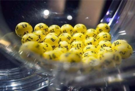 双色球奖池12.76亿,一等奖开出5注,这号码蹊跷不?