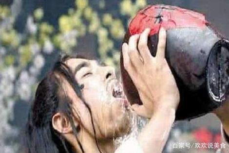 """号称中国""""最烈""""的酒,世界排行前三,东北人都要""""敬畏"""""""