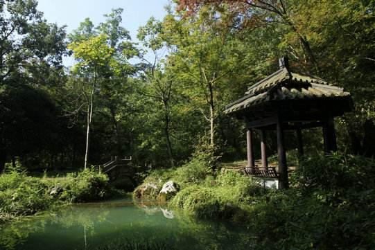 除了呼伦贝尔海拉尔国家森林公园,宜兴玉女潭景区以外