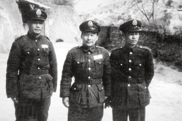 残杀红军军长及师长,红军大部分损失都是他造成,为何还被保护?