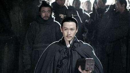 如果皇上让你替他背黑锅,你该怎么办?这个人竟然给甩了