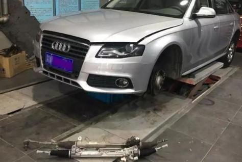 低速开车时,轮胎发出不小的异响,车主扒开轮胎后有些后悔了!