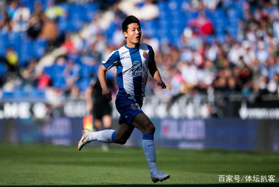 中国骄傲!武磊带伤造杀机,国门熬夜看他比赛,上港第一时间祝贺