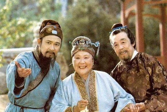 王夫人背着贾母,做了一件瞒人的事情,最后导致贾府被抄