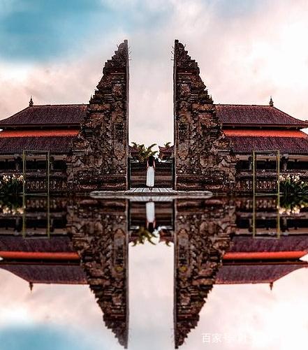 水神庙是巴厘岛上最具特色的寺庙,是一座完全建造于水面的神庙建筑